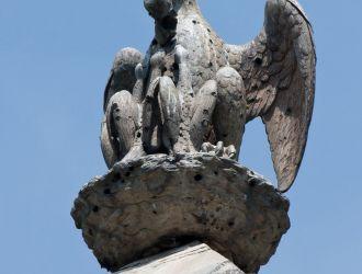 Obeliszk pelikánja